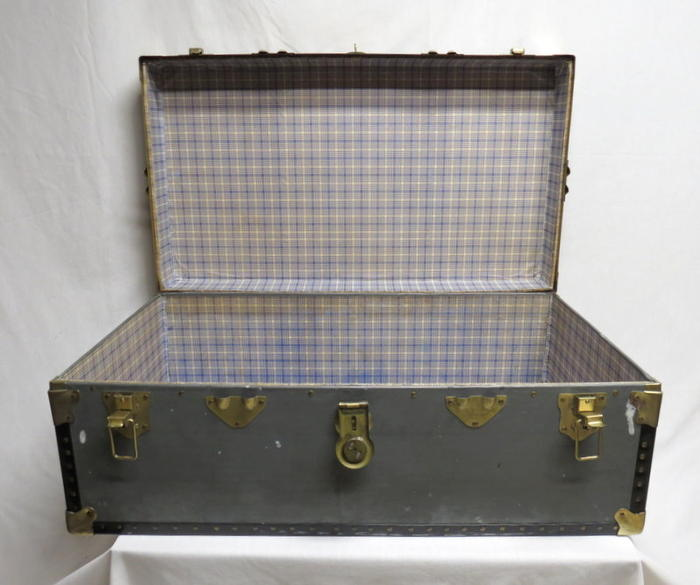 Antique Travel Steamer Trunk Chest Coffee Table Flat Top