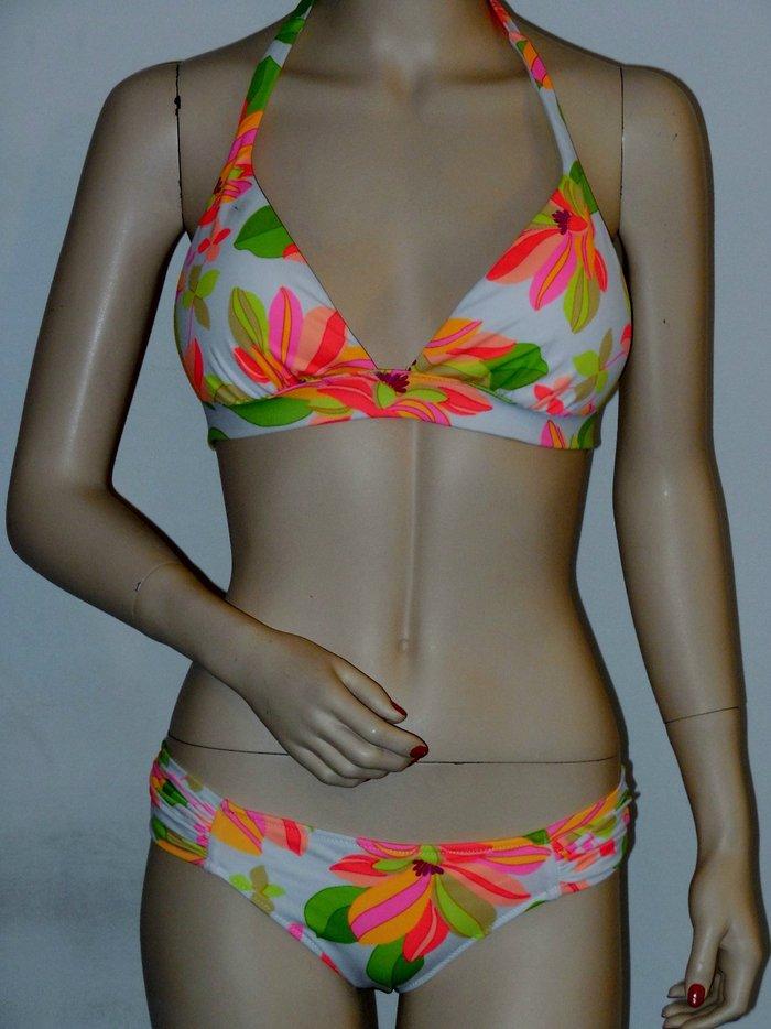 33153cdc92 Details about NEW VICTORIA S SECRET Tropical Floral White Bikini - Top M  Bottom Small