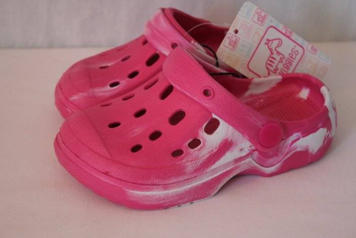 NEW Toddler Girls Water Shoes 9 - 10 Pink Sandals Clogs Slip On Pool Beach  Large | eBay