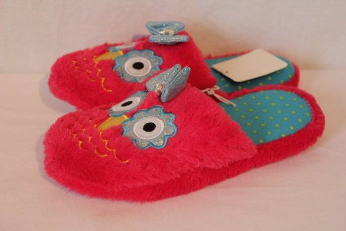 NEW Girls Slippers Size Large 2 - 3