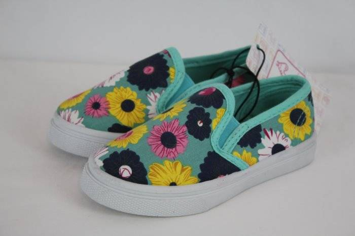 Girls Youth Sparkle Sneakers Shoes Sizes 9 or 10 Swiggles