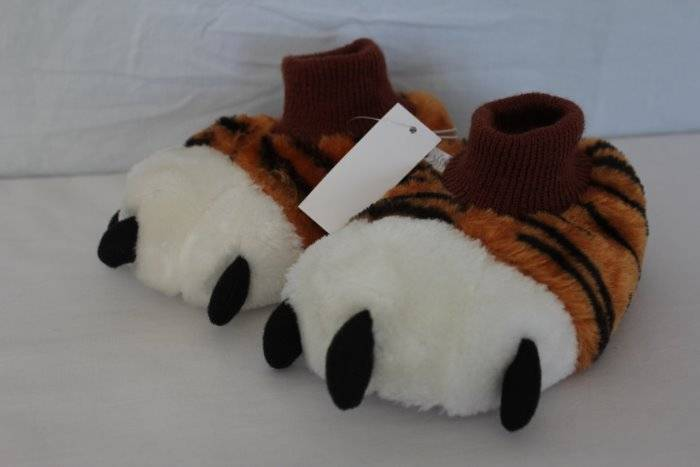 NWT Tiger Paws Boys Slippers Size Small Infant 5-6 MED 7//8