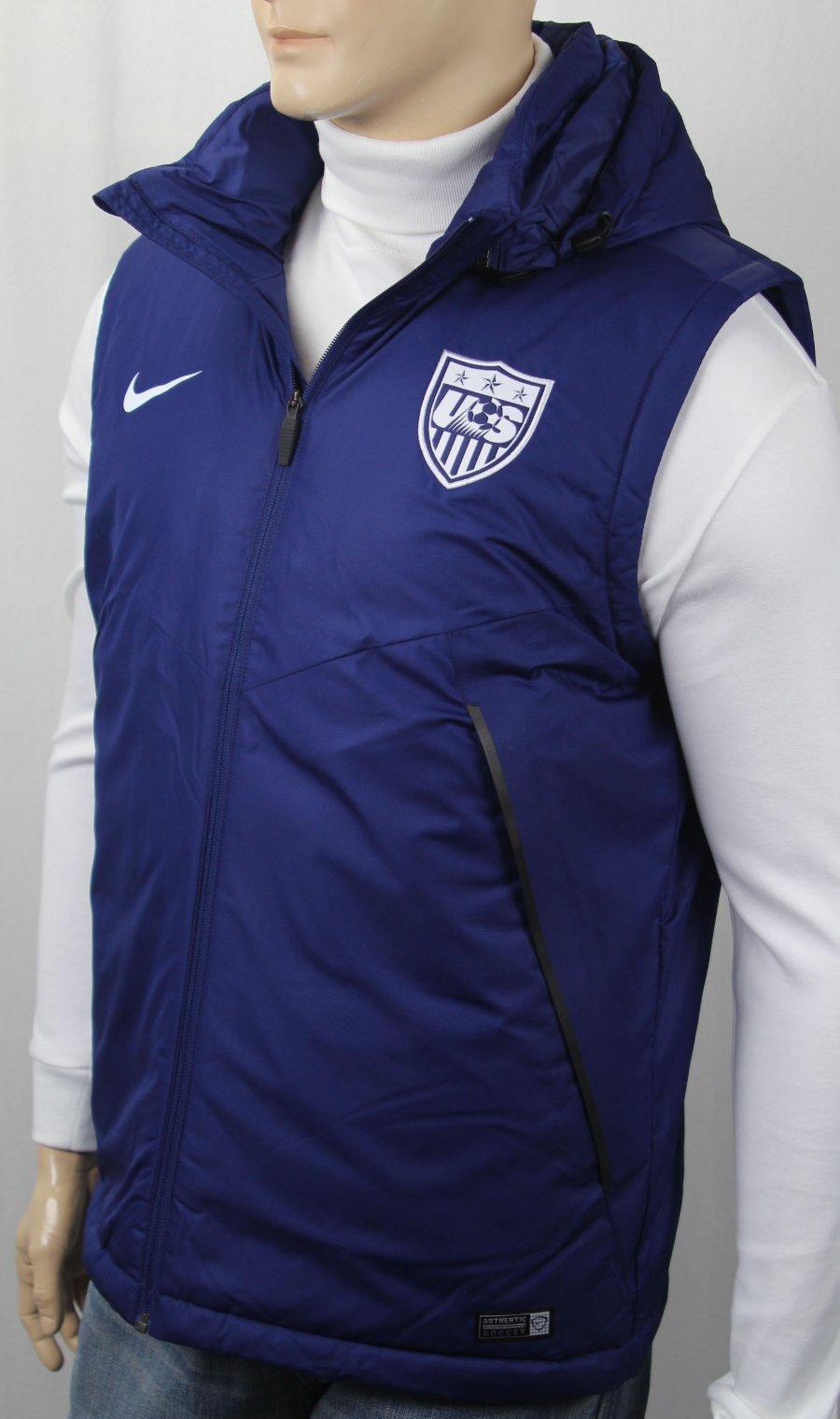 veste nike avec marque sur les manches usa
