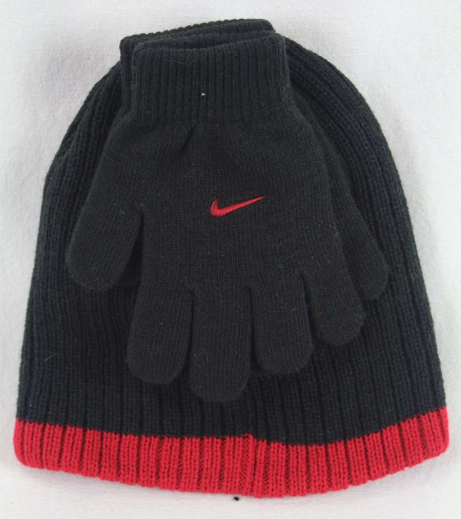 NWT Nike Boy/'s Knit 2 piece Hat and Gloves Set Reversible Beanie Size 8-20 Youth