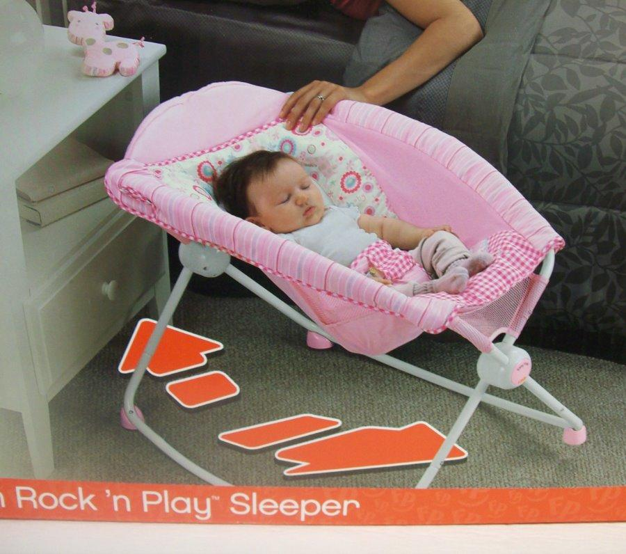 Fisher Price Newborn Rock N Play Sleeper Pink Baby Girl