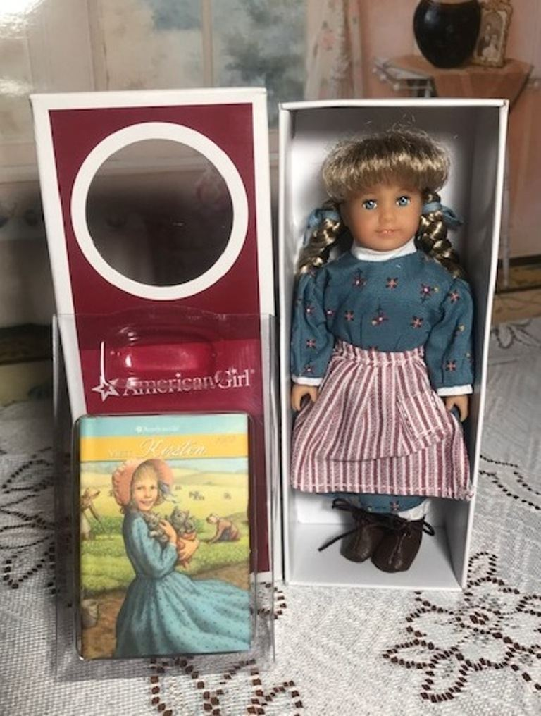 AMERICAN GIRL SAMANTHA'S CHRISTMAS BOX retired BRAND NEW NIB gift accessories