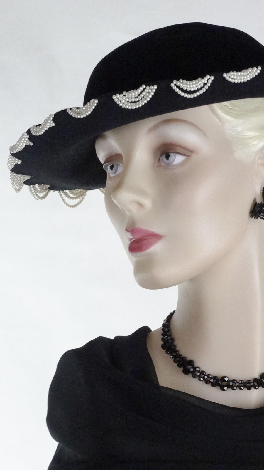 f12f45a5c990ae Details about 1940s Black Hat Derby Velour Pearl Bead Swag Best   Co  1461