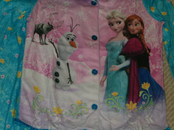 Disney Frozen Elsa, Anna,Olaf & Sven Ruffled Trim Flannel Type Pajamas 10/12 NWT