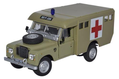 land rover military metal model cararama 1 43 scale car ebay. Black Bedroom Furniture Sets. Home Design Ideas