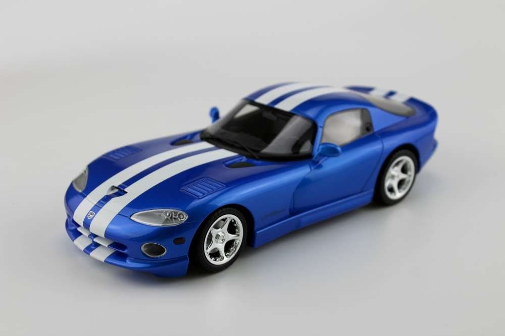 1:18 Dodge Viper GTS in Blue with White Stripes GT Spirit Resin MIB