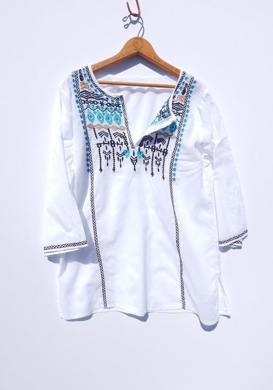 cotton M Festival shirt White embroidered Boho Hippie tunic shirt glass buttons