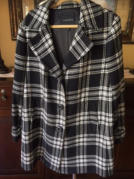 4fe6f03b0f Up for your consideration is a NWOT Talbots Black & White Plaid Wool Coat  Size 16. This is an absolutely gorgeous and would be a fabulous addition to  any ...
