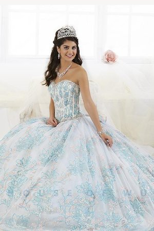 bfb9e666241 Tiffany 26902 Periwinkle Blue Quinceanera Princess Perfect Ball Gown Dress  sz 6