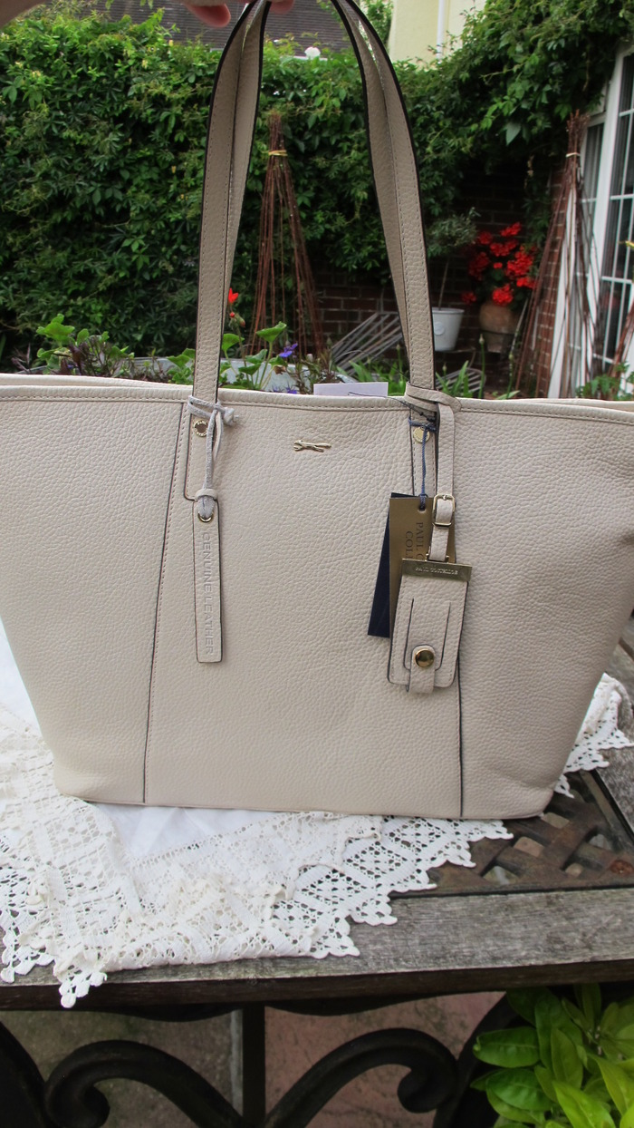 Tote Bag It Is Brand New With Tags This Seasons Hottest Design The Very Chic Neat And Sophisticated In A Lovely Off White Colour