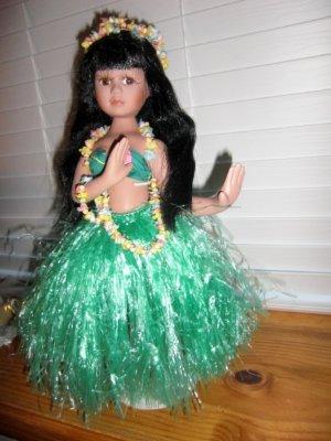 "Unmarked ~ Vintage 16/"" Porcelain Beautiful Hula Doll"