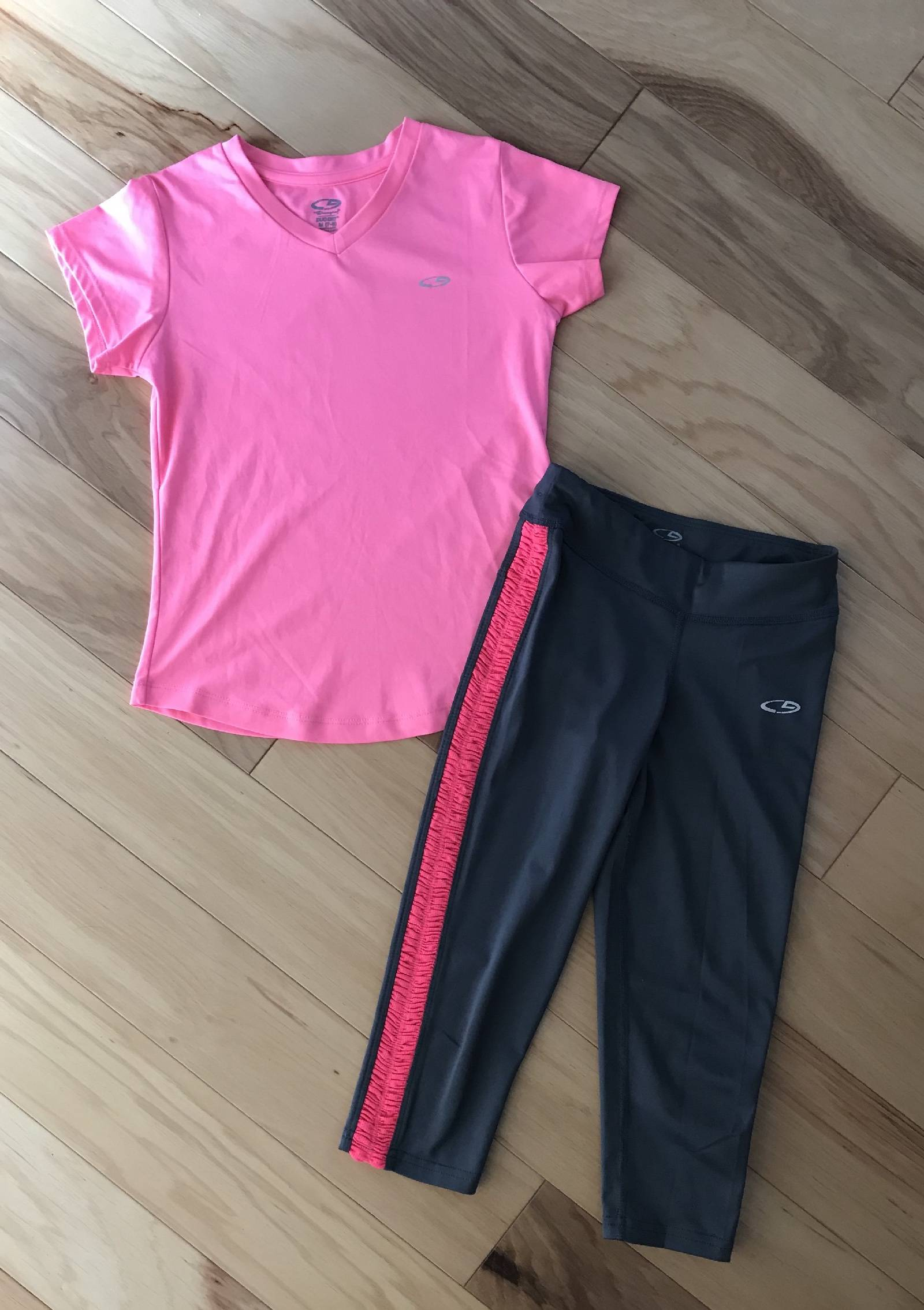 ed1faf26d48533 Here is a super cute girls two-piece tee & capri leggings from C9 Champions.